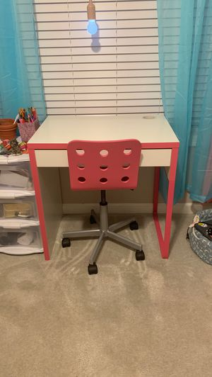 White desk with pink accents and matching chair. for Sale in Plymouth, MA