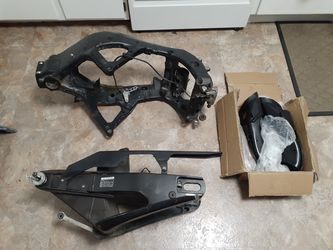 09 Yamaha r6 motorcycle frame with accessories for Sale in Germantown,  MD
