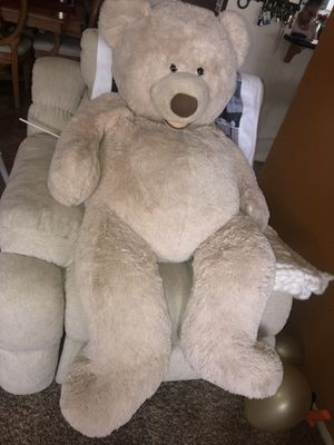 BIG TEDDY BEAR for Sale in DEVORE HGHTS, CA