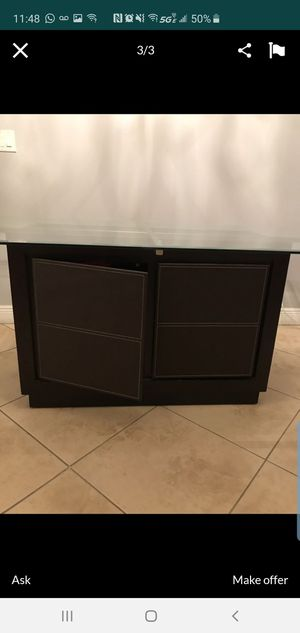 Dark brown leather and glass dining room table $200 for Sale in Miami, FL
