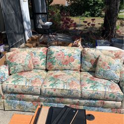 Floral Coach for Sale in Spring Hill,  FL
