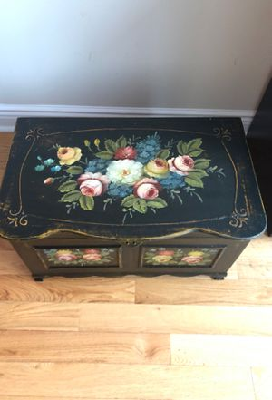 Free Antique Chest for Sale in New York, NY