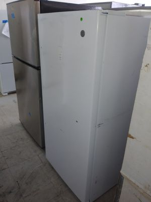 New GE Upright 14.1 Cu Ft Freezer for Sale in Fort Lauderdale, FL