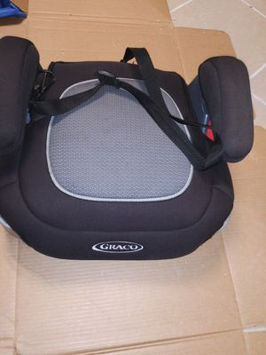 Graco booster car seat toddler car seat for Sale in Redford Charter Township, MI
