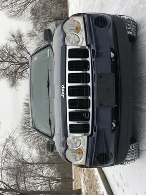 Perfect 2OO6 JeepGrandCherokee 4WDWheelsss Great for Sale in Washington, DC