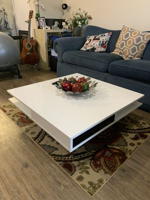 White glossy coffee table with chrome finished legs for Sale in Austin, TX