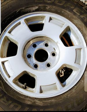 Chevy 17 inch wheels no center caps clear coat peeling for Sale in Montgomery, AL