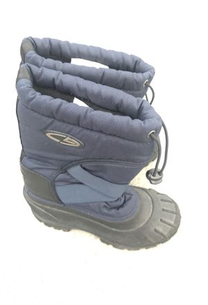 Snow boots kids size 1 for Sale in San Diego, CA