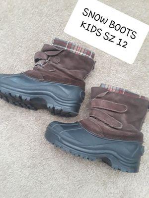 KIDS SZ 12 SNOW BOOTS for Sale in Surprise, AZ