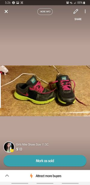 Girls Nike Shoes Size 11.5c for Sale in Parkersburg, WV