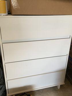 Free Dresser for Sale in Duvall,  WA