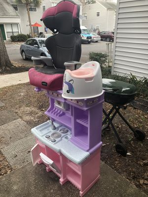Kitchen,car seat and toilet for Sale in Gainesville, FL