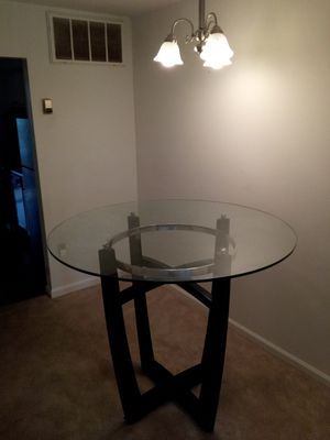 Dining table coffee table very good condition pick up in Rockville MD for Sale in Rockville, MD
