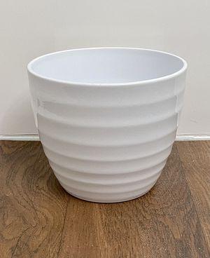 Mid century modern MCM style white chic ceramic flower plant pot planter for Sale in Phoenix, AZ