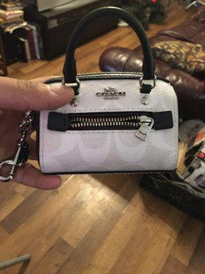 Small coach purse with keychain for Sale in Washington, DC