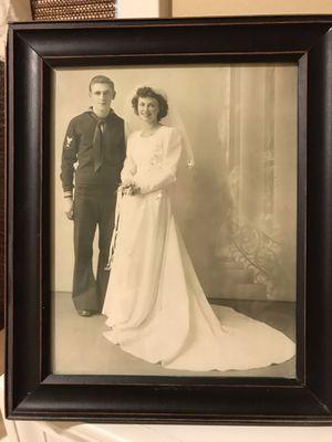 Vintage Wedding Dress for Sale in Blue Springs, MO