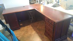 Best offer pick up today can have it. Beautiful functional wood L shape desk for Sale in Phoenix, AZ