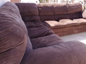 Brown Sectional Couch Sofa FREE DELIVERY!! for Sale in Orange, CA