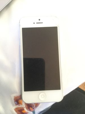 iPhone 5 unlocked for Sale in Centreville, VA