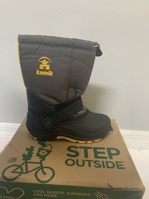 Snow boots for sale for Sale in Opa-locka, FL