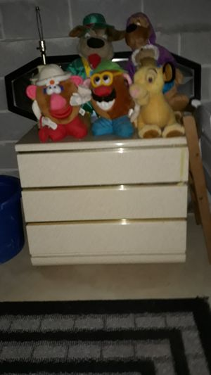 Dresser draw and 2 nights stands for sale 125 cash includes tv DVD player for Sale in Douglasville, GA