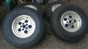 31x10.5 R15 A/T Tires and Wheels for Sale in Lakewood, WA