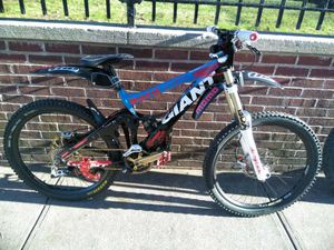 Giant downhill bike 2009 for Sale in Bronx, NY