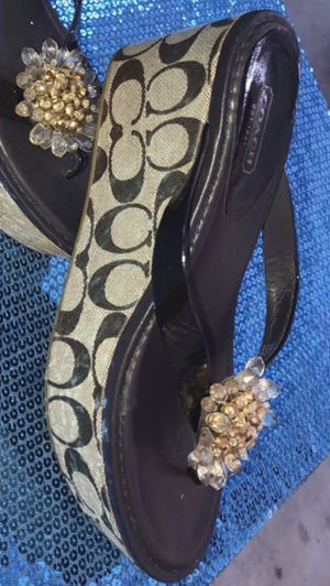 Women's Coach Sandals Size 9. If You See It Posted, Yes It's Still Available for Sale in Lynwood, CA