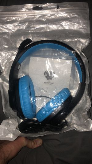 Brand new gaming headphones with mic only $15 for Sale in Nashville, TN