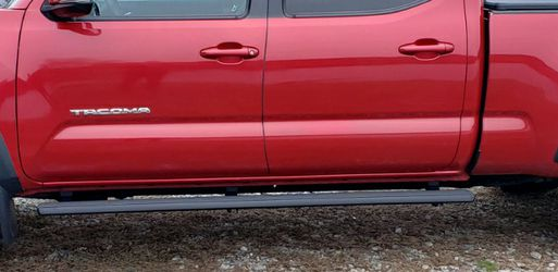 2016 to 2019 tacoma Running Boards,bolts On With Factory Holes, In About 20 Minutes Very Good Condition for Sale in Lisbon,  CT