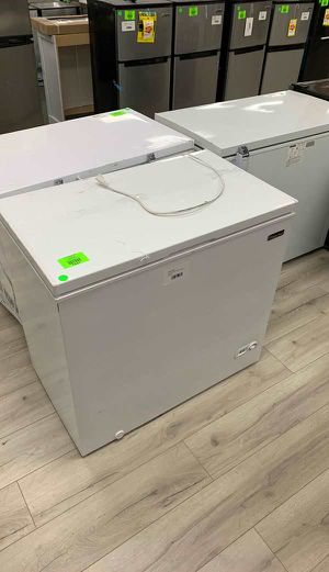 MAGIC CHEF HMCF7W4 CHEST FREEZER FD for Sale in Ontario, CA