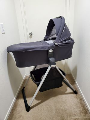 Nuna bassinet with stand for Sale in Perris, CA