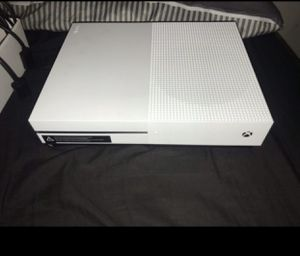 Xbox one s 1 TB for Sale in Coral Gables, FL