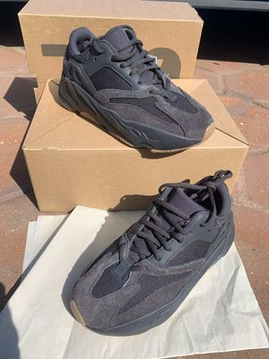 Adidas Yeezy Boost 700 Utility Black Men Size 6 for Sale in Los Angeles, CA