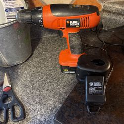 Black& Decker Cordless Drill With Battery Charger for Sale in Murfreesboro,  TN
