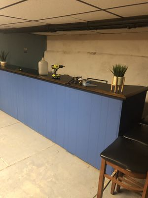 Large bar in great condition !! I will help disassemble it ! for Sale in Philadelphia, PA