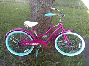 Girls huffy 24inch bike for Sale in Sioux Falls, SD