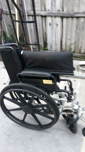 Very nice wheelchair for sale good condition !! for Sale in Tampa, FL