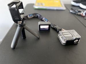 GoPro hero 7 silver with accessories for Sale in Plantation, FL