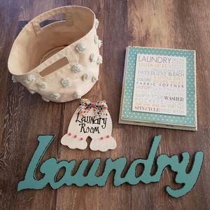 Laundry Room Decor Lot! Super Cute! for Sale in Huntington Beach, CA