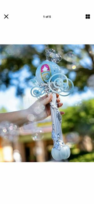 New Disney's Cinderella Bubble Wand Light Up Magic Kingdom Kids Toy for Sale in Boynton Beach, FL