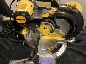 "Dewalt 12"" Double Bevel Compound Miter Saw DWS716 for Sale in Beaverton,  OR"