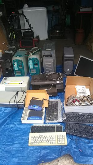 Computer heads an printers an key borads for Sale in Waterbury, CT
