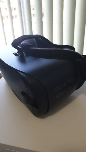 Samsung oculus vr for Sale in Coral Gables, FL