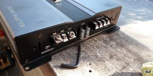 2 amplifiers - Sony 600W and Crunch 1500W for Sale in Round Rock, TX