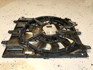 Chevrolet Equinox cooling fan for Sale in Grand Prairie, TX