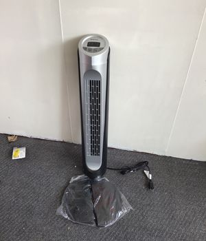 Holmes whole room tower fan for Sale in Melvindale, MI