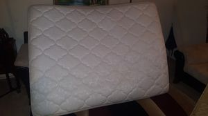 Used Queen mattress + bottom box for Sale in Chillum, MD