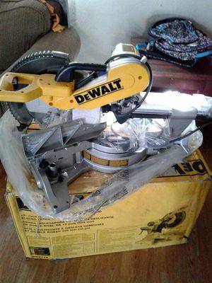 Sliding miter saw dewalt 12' for Sale in Salt Lake City, UT