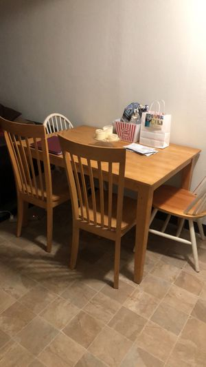 Kitchen table and 4 chairs for Sale in North County, MO